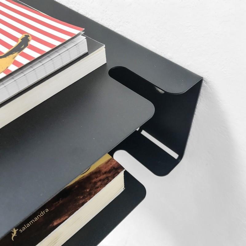 mesa de luz flotante estante de chapa repisa metalica chapa minimalista blanca y negra chica pequeña Muett diseño