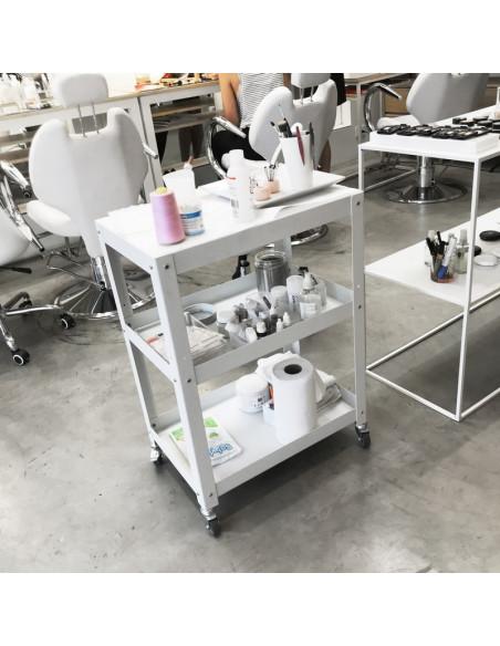 mesa auxiliar de arrime con ruedas maquilladora diseño Muett