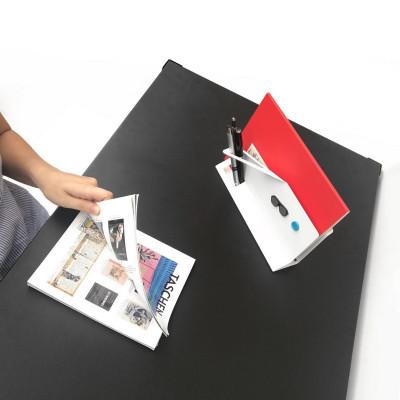 escritorio de diseño metalico con ruedas Muett